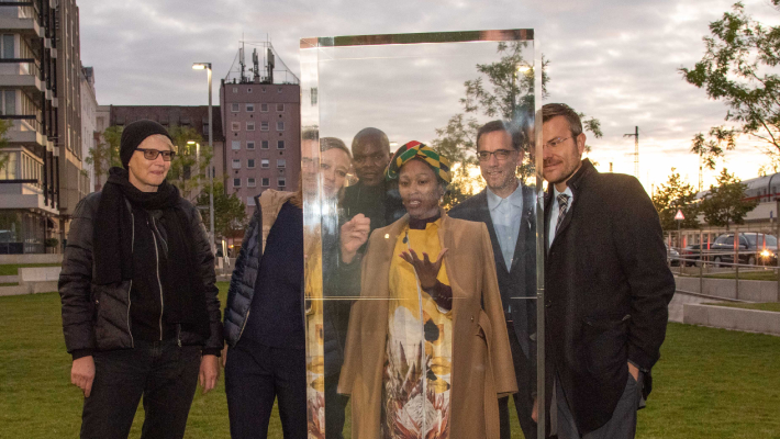 """Nürnberger Kunstwerk """"Rolihlahla"""": Rohdiamant zu Ehren Nelson Mandelas"""